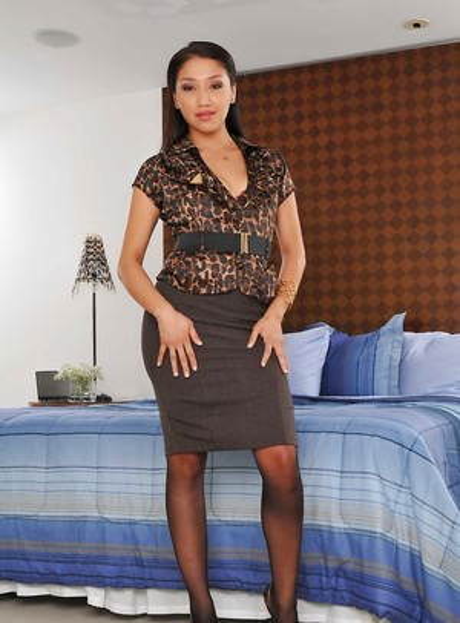 Latina in Stockings Pics