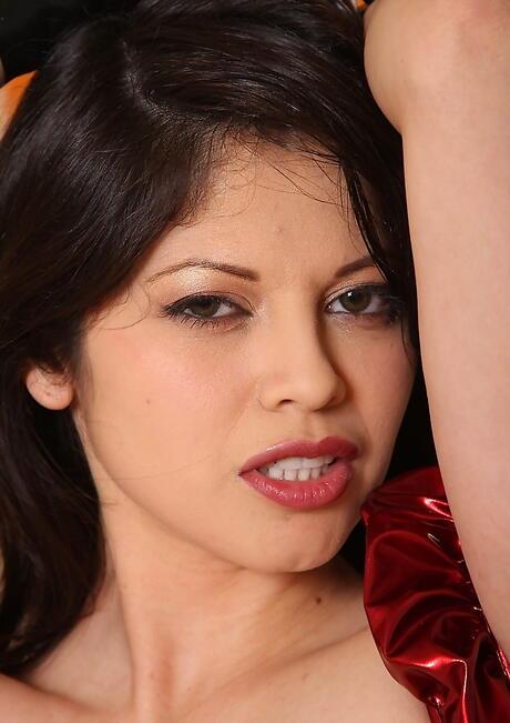 face pics Latina