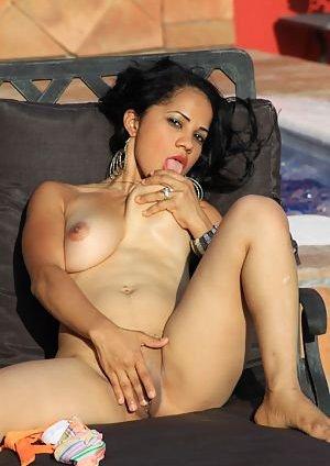 Latina Masturbating Pics
