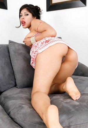 Latina Up Skirt Pics